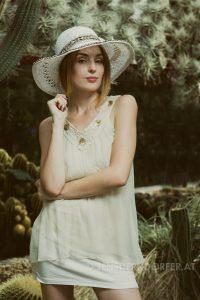 Weißer Hut