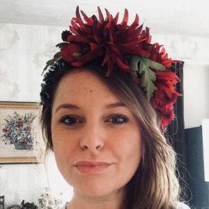 Anna_Be mit Blumenkranz Blütenkranz